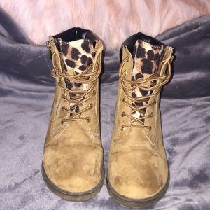 Other - Tan Cheetah/Leopard Boots Lace Up